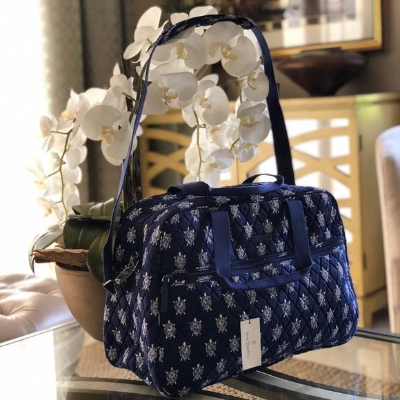 a55dd8360 Vera Bradley Bags | Nwt Medium Traveler Bag Sea Turtles | Poshmark